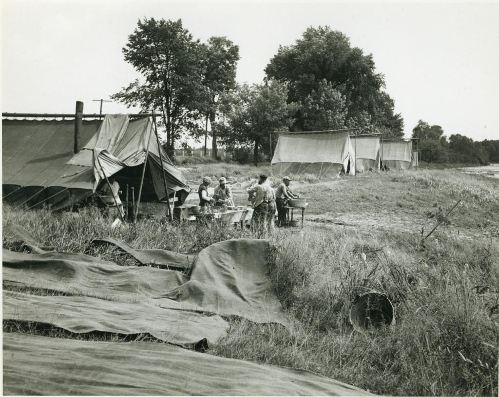 dclv03i01-history-logging-camp