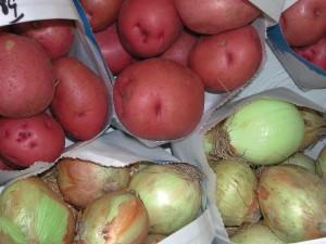 dclv01i02-feature2-onions-potato