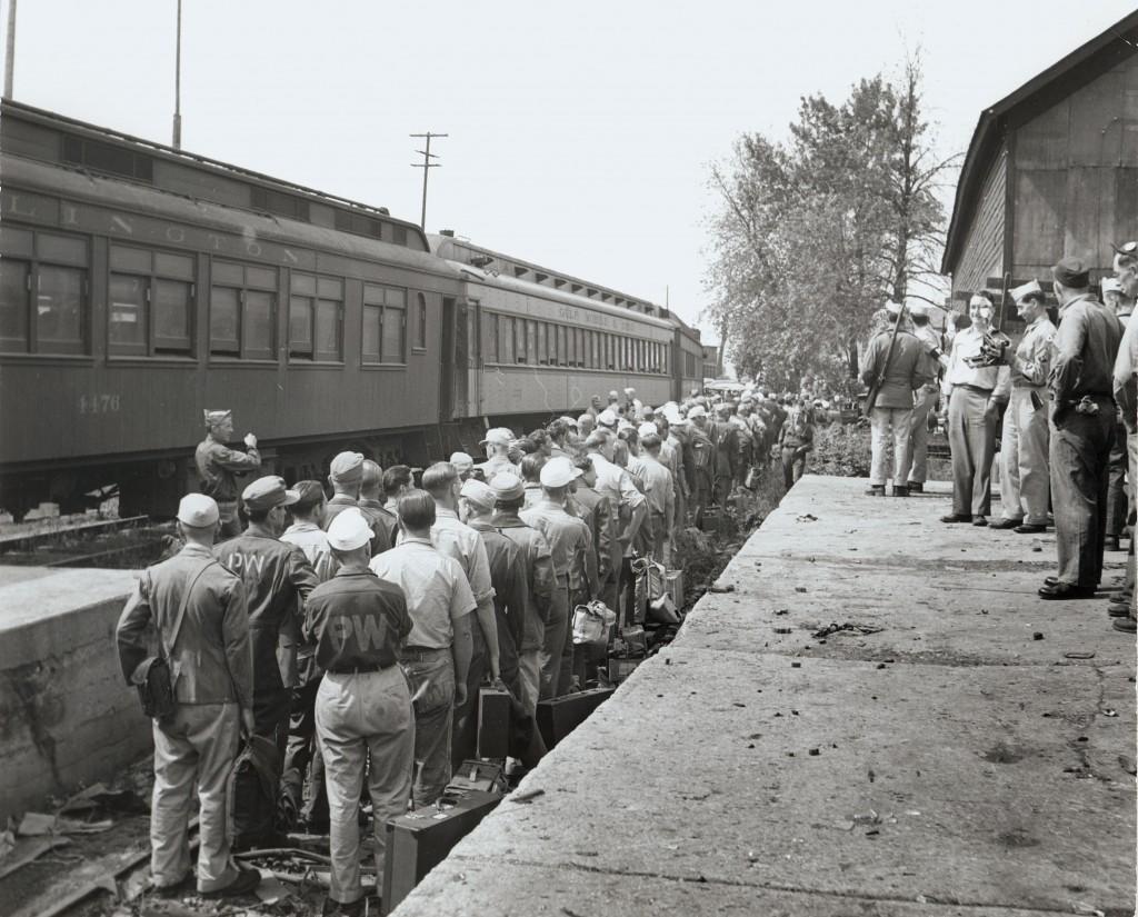 dclv03i02-history-POW-train