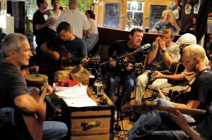 dclv07i03-music-scene-jam-sesh-fiddlers-green