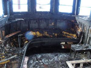 dclv07i04-topside-burned-interior
