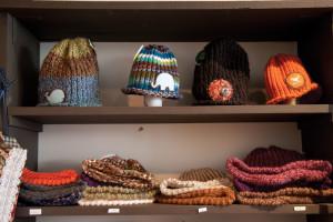 dclv08i04-art-scene1-hats