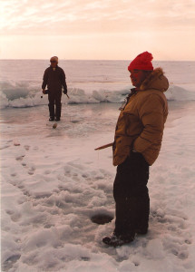 dclv08i04-feature1-ice-fishing