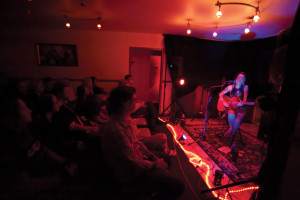 dclv08i04-music-scene-performing