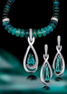 dclv09i01-art-scene2-sea-green-blue-stones