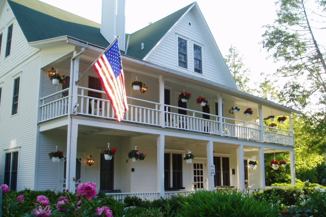 Readers Of Condé Nast Traveller Have Voted The White Gull Inn Fish Creek As One Top 15 Hotels In Midwest Magazine S 28th Annual