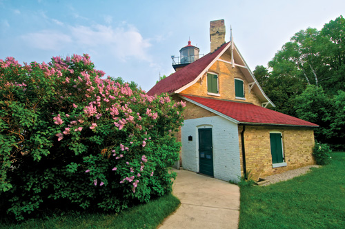 Eagle Bluff: The Lighthouse with a Story