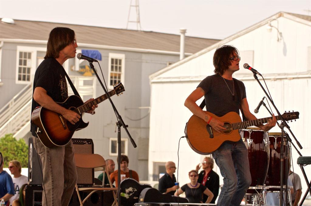 pat mAcdonald performs with Jackson Browne at Steel Bridge Songfest. Photo by Len Villano.