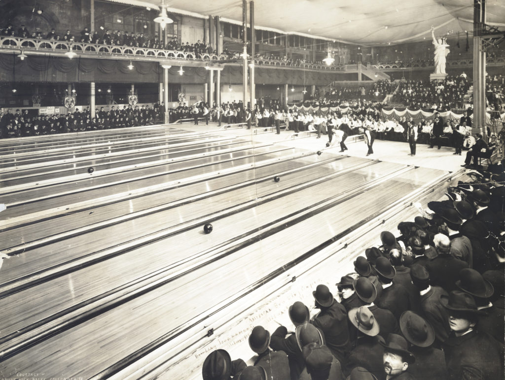 American Bowling Congress tournament in Milwaukee, Wisconsin, c. 1905. Photographer unknown (from Library of Congress, public domain).