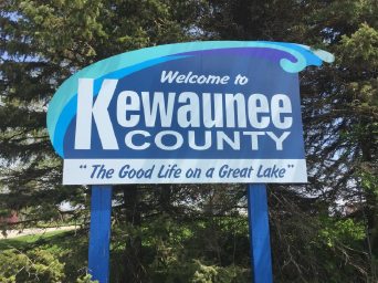 Kewaunee County Celebrates the Lake With New Welcome Signs