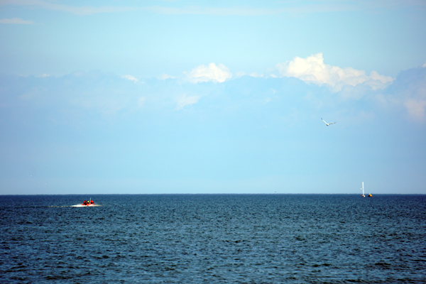 Boat Runs Aground in Baileys Harbor