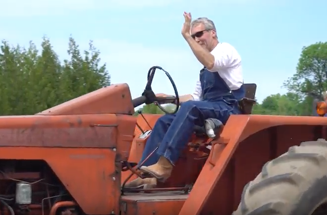 VIDEO: Freddie K. Tractor Ride