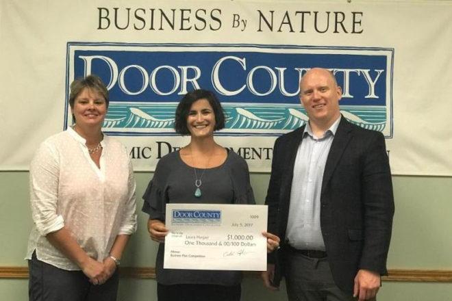 Laura Harper Wins Award from DCEDC Entrepreneurial Training Program