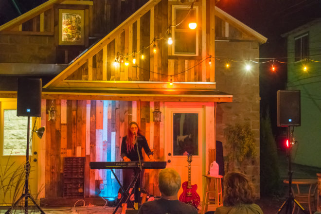 Door County Makers Space Spotlights Audience-Musician Connection