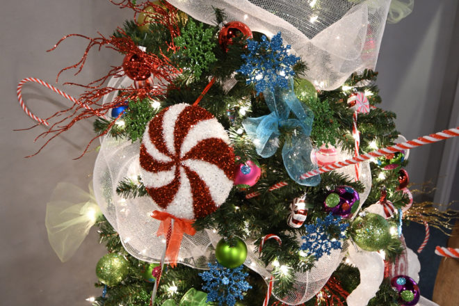 festival of trees returns in 2017 and the museum is looking for businesses organizations or individuals to sponsor or decorate a christmas - Christmas Decorations For Businesses