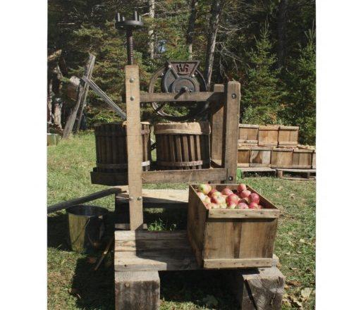 Door County Historical Society Celebrates Apple Day