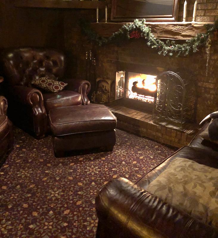 English Inn, Aleah Kidd, Door County restaurant, dining, dinner date, Valentine's Day