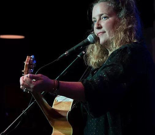 Susan Gibson Performs at White Gull Inn