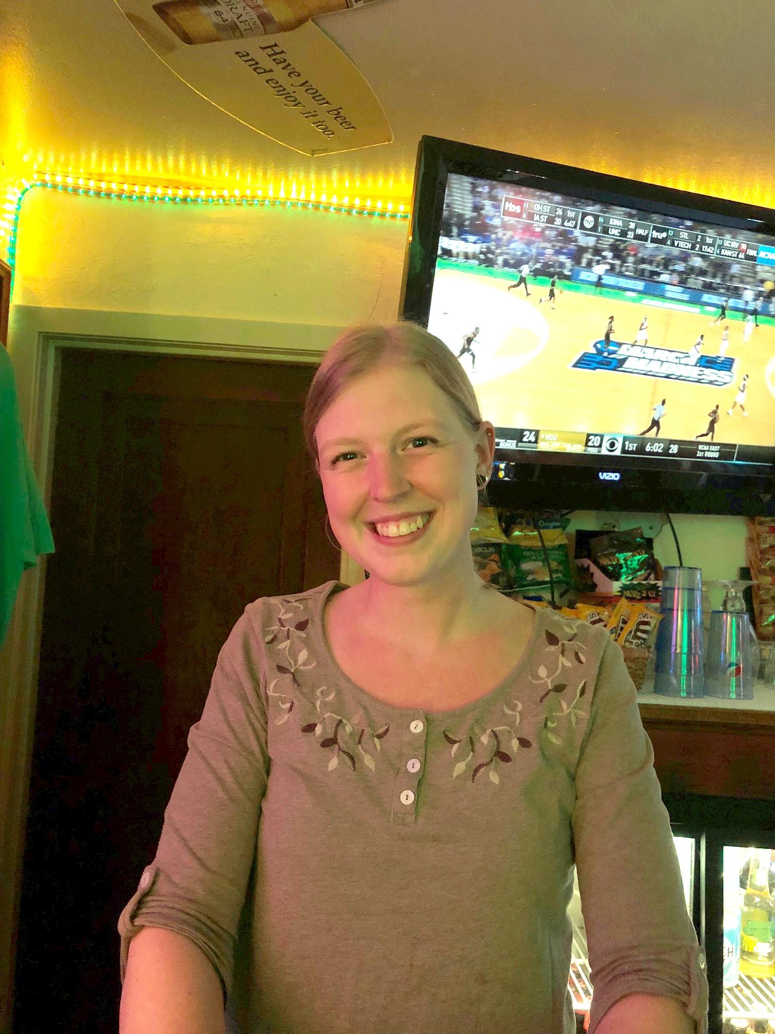 AC Tap, Server of the Week, Jenny Smith