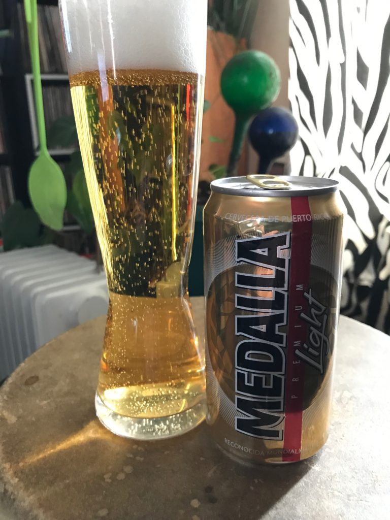 Medalla, Jim Lundstrom, Beer review