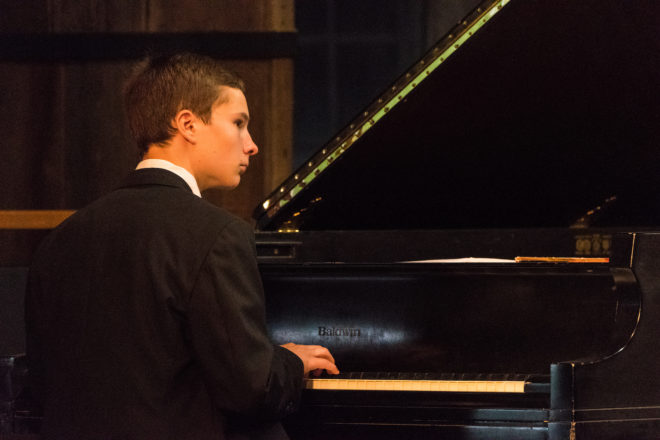 Jonathan Bass Earns Peninsula Music Festival Scholarship