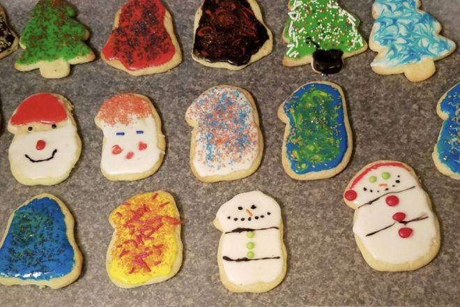 Free Cookie Decorating at Knit Whit's Yarn & Crafts