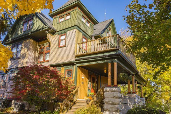 Scofield House: A Classic Beauty