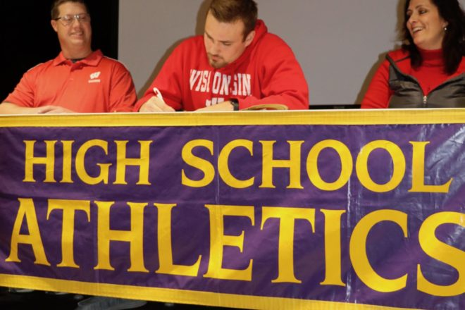 Kewaunee Football Player to Play for Badgers