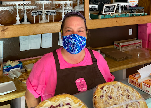 Server of the Week: Deb(bie) Notbohm @ Pink Bakery