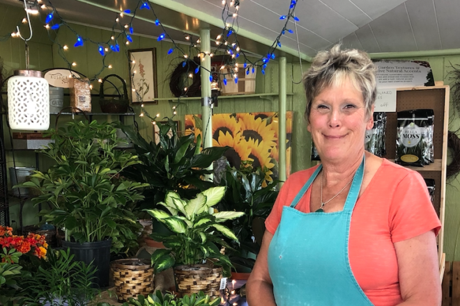 Server of the Week: Joy Lang at Jerry's Flowers