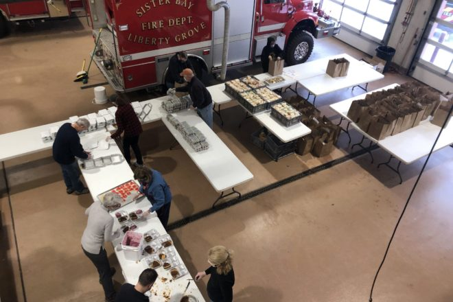 Volunteers Serve 266 Christmas Eve Take-home Meals